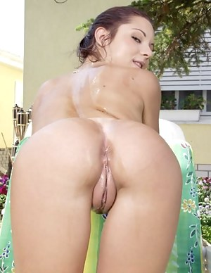 Big Pussy and Ass Porn Pictures
