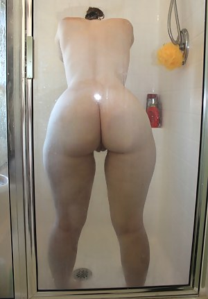 Big Ass Shower Porn Pictures