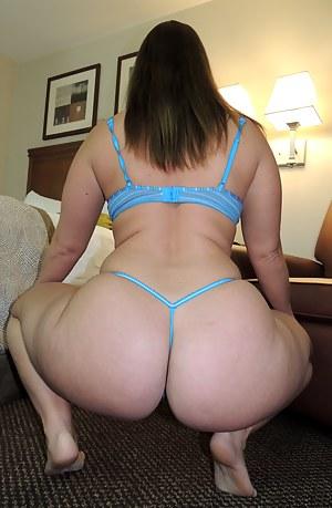 Big Ass Lingerie Porn Pictures