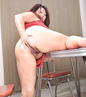 Big Ass Beaver Porn Pictures
