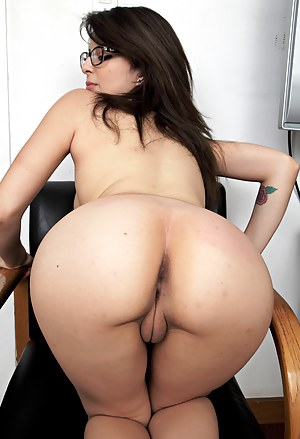 Big Ass Tight Pussy Porn Pictures