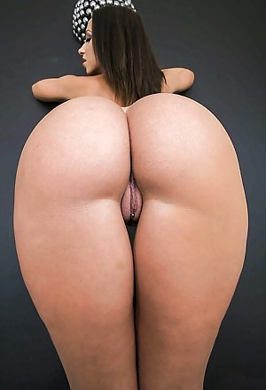 Big Ass Pussy Piercing Porn Pictures